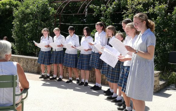 Pupils from Cathedral School singing in Horatio's Garden